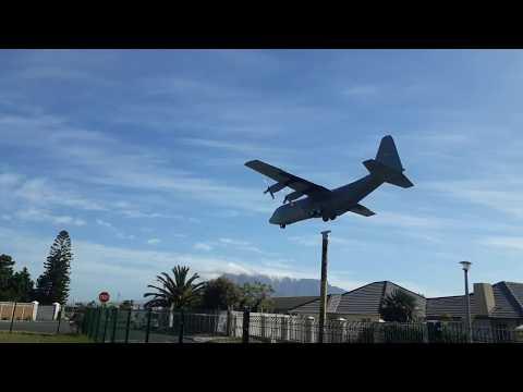 SAAF C-130 landing AFB Ysterplaat