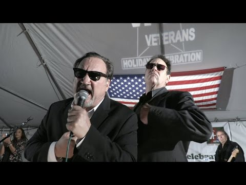 Jim Belushi & Dan Ackroyd Perform for the Veterans