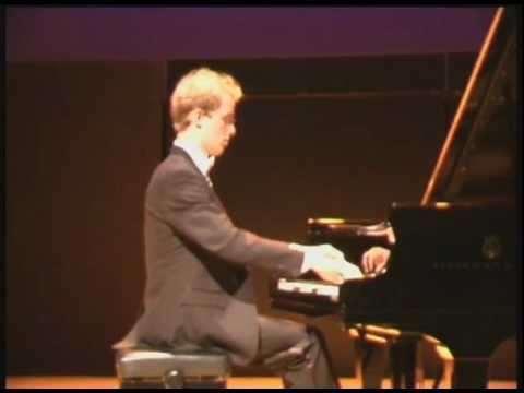 Konrad Binienda Plays Chopin: Polonaise-Fantaisie, op.61