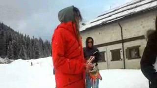 VERONICA CIARDI balla AI SE EU TE PEGO davanti alla telecamera! Madonna Di Campiglio - 21.01.12