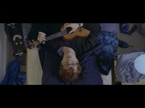 Cavetown – Pigeon (Official Music Video)