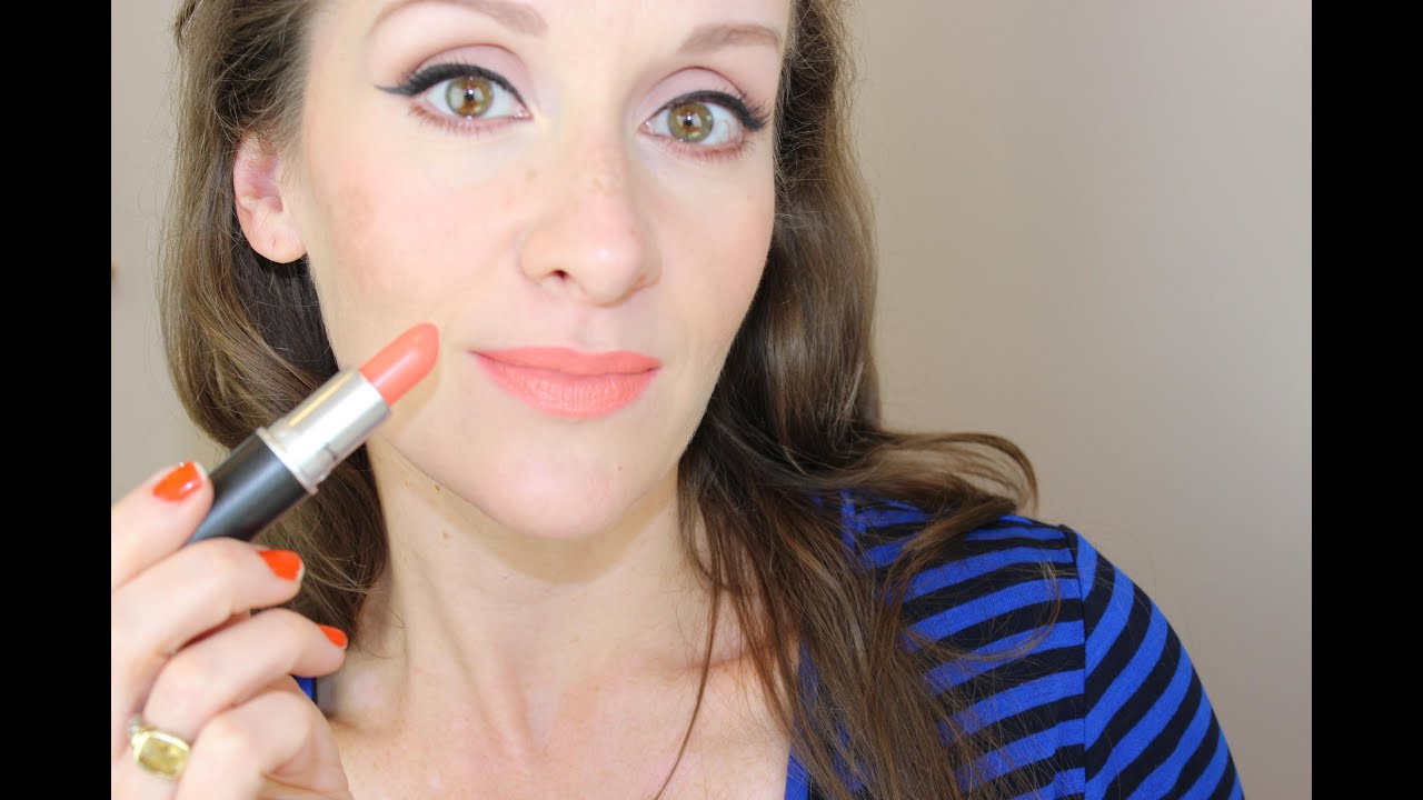 "Favori dramatic winged liner (""Joan"" Mad Men inspired) mac sushi kiss  RE66"