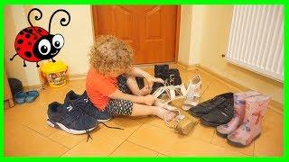 Ce se ascunde in Pantofi?☺Moda cu Surprize Provocare-Vlog pentru Meliissa