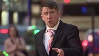 Jonathan Pie: Reporter looks like a right dick!