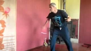 """Необычный """"боевой"""" танец"""