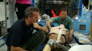 Chris Hadfield trains for medical emergencies