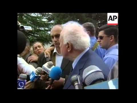 Shevardnadze visits tense Pankisi Gorge
