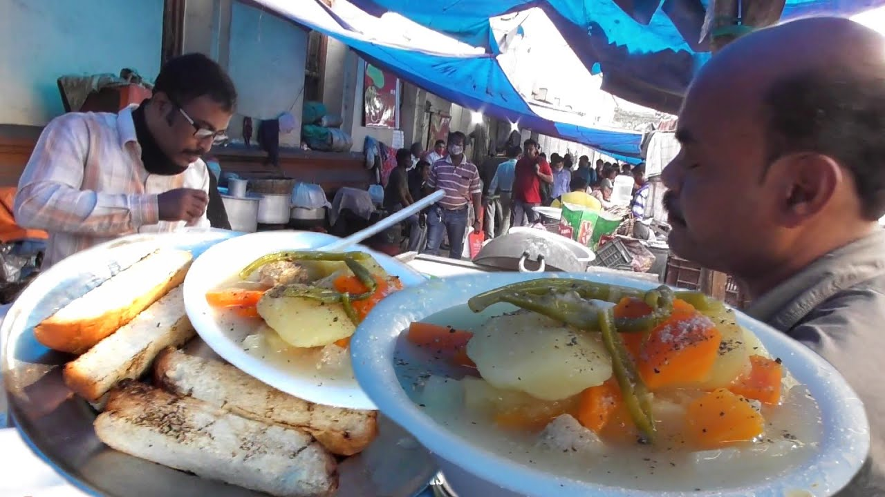 It's A Tiffin Time in Kolkata Street   Chicken Soup with Bread Toast 50 Rs   Indian Street Food