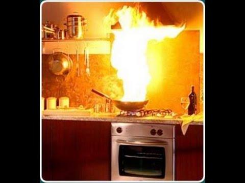 إطفاء حرائق الزيوت في المطبخ Oil Fire Fighting In Home