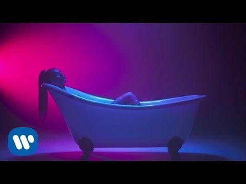 Tayá - Skin ft. Lotto Boyzz [Official Video]