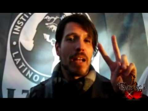 Francisco familiar vocalista de dld saluda a la pandilla for Paco familiar