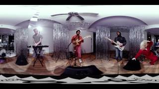 POP Montreal Present POP Shots Episode 7: Un Blonde (360 VIDEO)