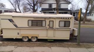 1987 Hi-Lo Travel Trailer - immaculate, one owner, full bath
