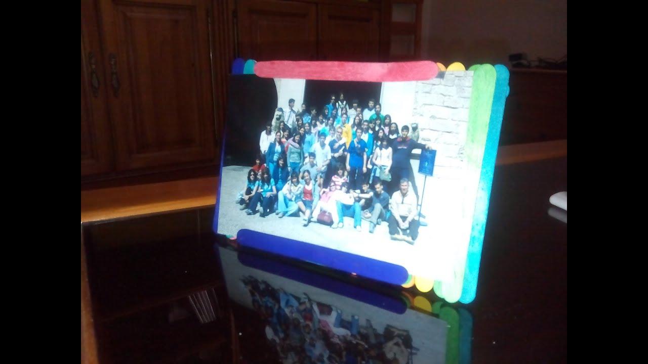 Diy como hacer un marco para fotos con palillos de helado - Marco fotos pared ...