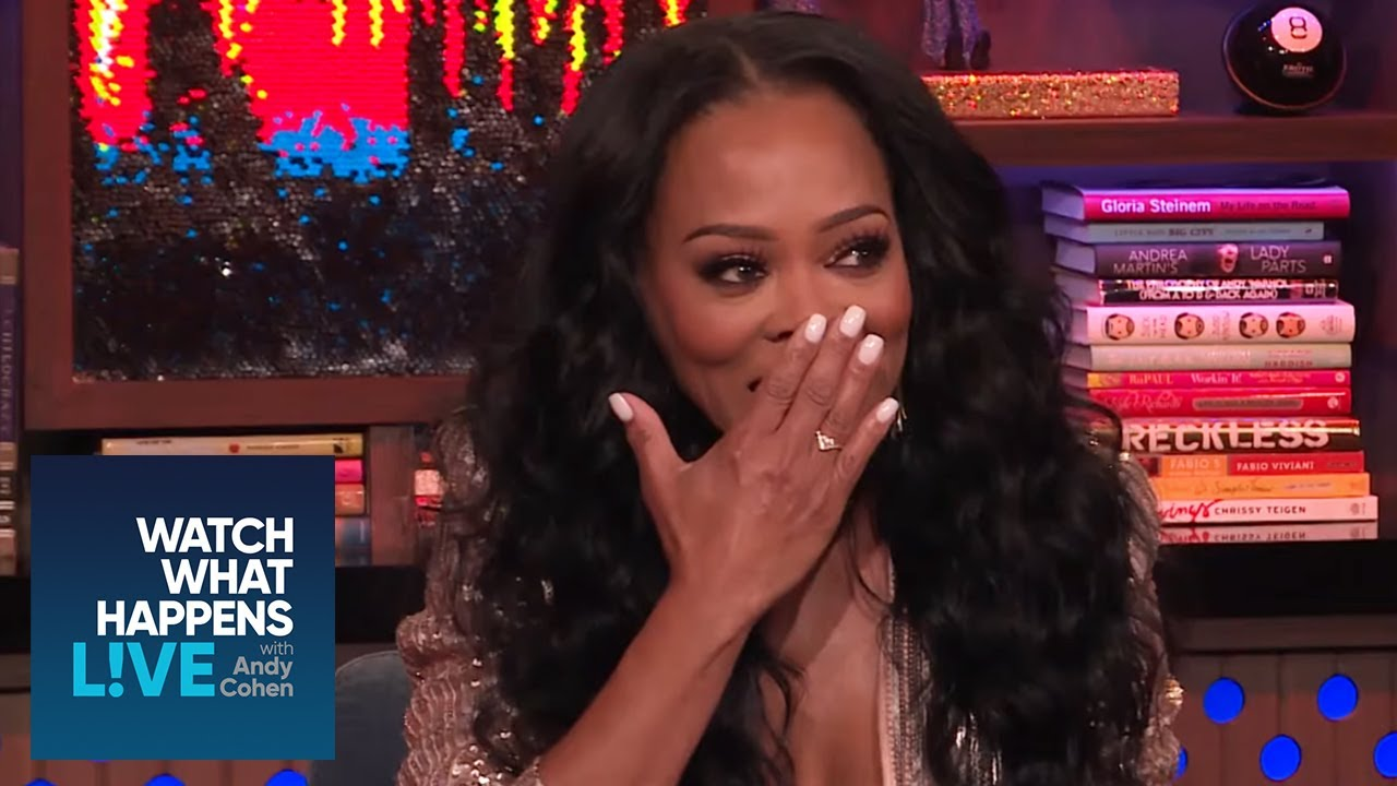 """Howard Stern Naked Girls robin givens says howard stern's """"small penis"""" wasn't an"""