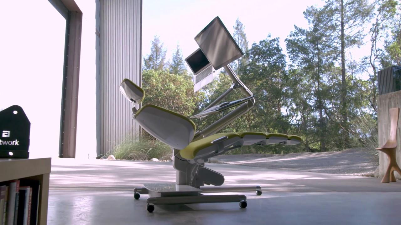 Resultado de imagen para Así funciona el escritorio que te permite trabajar acostado en la oficina