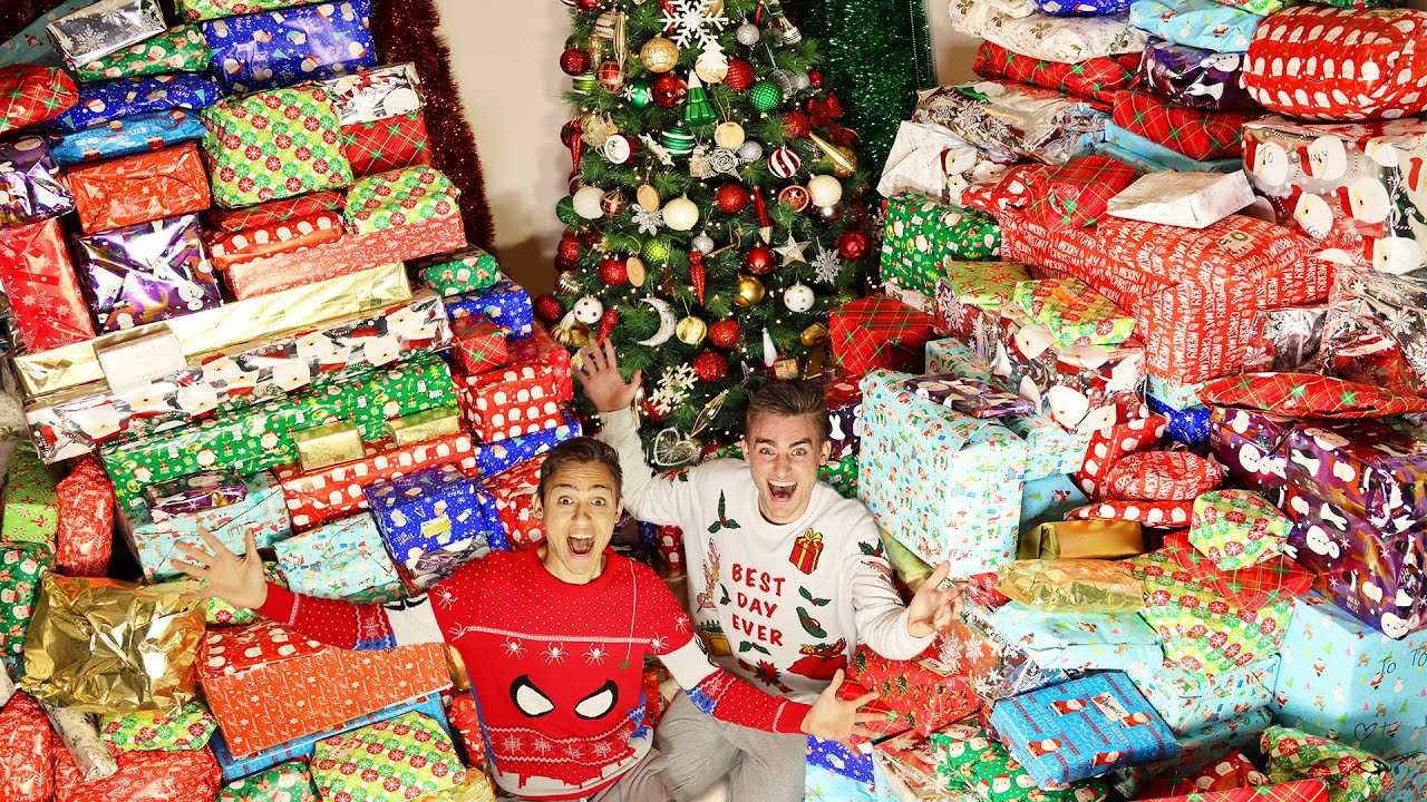 Download BIGGEST CHRISTMAS PRESENT OPENING EVER!!