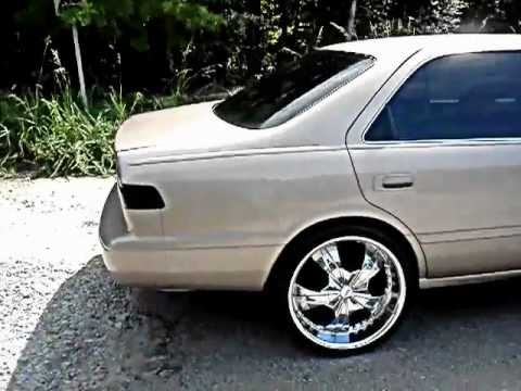 Clean Camry On 20s Beatin