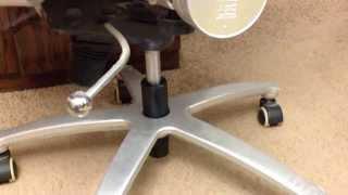 Домашний ремонт компьютерного кресла.(, 2014-01-28T17:37:50.000Z)
