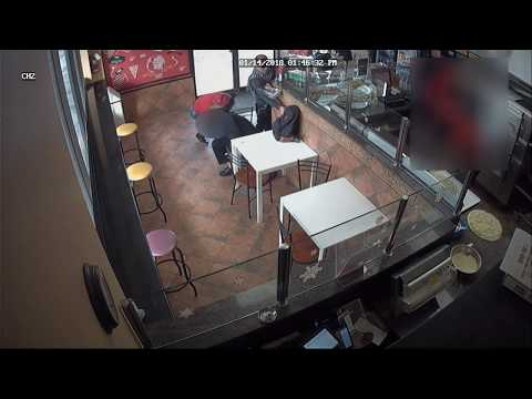 @TorontoPolice @TPSD32 Distraction Theft investigation - woman speaking with victim