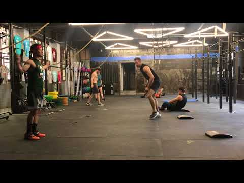 Benchmark WOD Annie 50/40/30/20/10 double unders and sit-ups