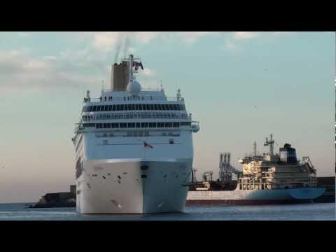 Navio Oriana em Leixões Janeiro 2012 (HD)