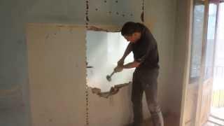 демонтаж стены под дверной проём(, 2014-03-05T12:36:16.000Z)