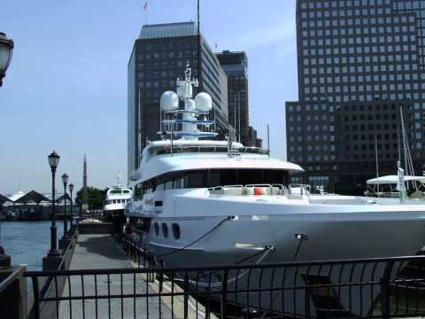 NYCs spectacular waterfront attractions - Battery Park City's Esplanade & the South Street Seaport