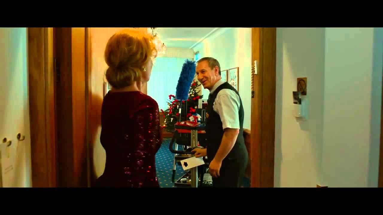 """En underbar jävla jul - klipp: """"Du skulle ju inte ta med tomtedräkten!"""""""