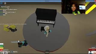 Roblox talent Show *I'm doing my special Piano!*