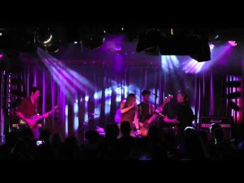 Broke The Mould - Papertrails LIVE @ The Red Room