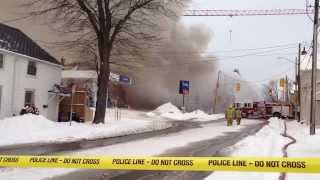 Parked Cars burning Downtown Kingston - Crane Operator Stranded Above Flames - Dec 17, 2013