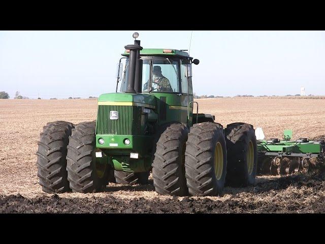 John Deere 8640 Backhoe Loader Tractor   John Deere Backhoe Loader on john deere 8640 engine, john deere 8640 parts catalog, john deere 8640 tractor, john deere 8640 brochure,