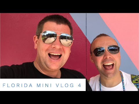 Walt Disney World Florida September 2018 - Daily Mini Vlog 4 - Birthday Surprises, and Epcot