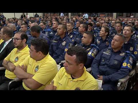 Guardas municipais recebem certificado para uso de armas de fogo
