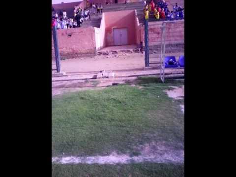 مبادرة الوفاق التارخية في توزيع الاقمصة الرياضية بملعب لحبيب حبوها