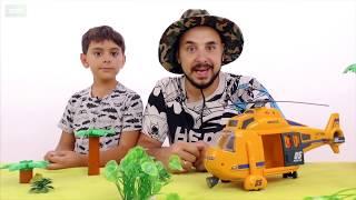 СПАСАЕМСЯ ОТ ДИНОЗАВРОВ! Папа Роб и Ярик собирают конструктор Лего Jurrassic World! Сборник.