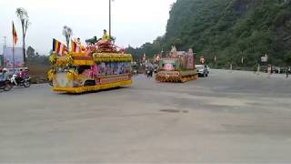 Đoàn xe diễu hành rước Phật về chùa tam chúc thật hoành tráng