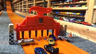 Gambar cover HOT WHEELS | KING OF THE HILL | RACE