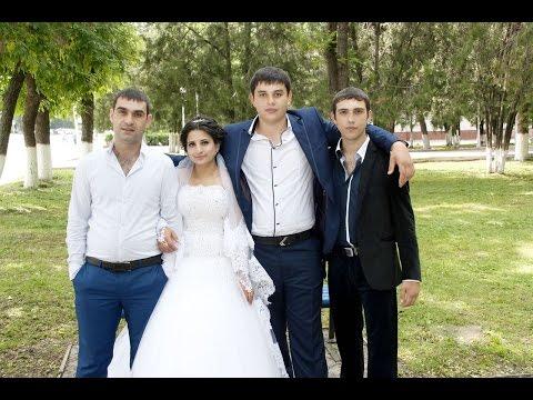 Близнецы тройняшки танцуют на цыганской свадьбе! Вася и Рузанна. Часть 15