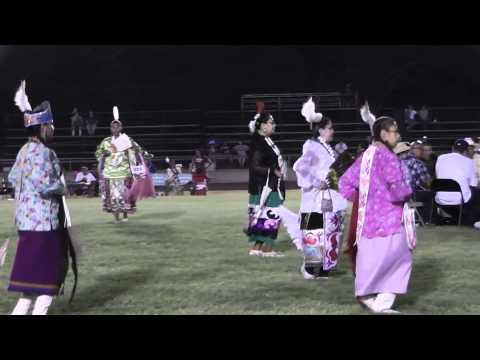 Womens Cloth (4) BEST Pawnee 2012