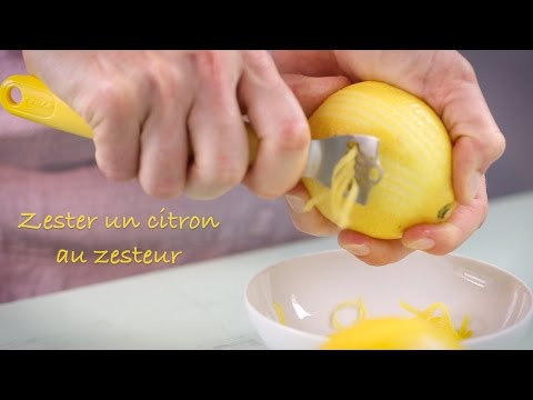 Zester un citron au zesteur