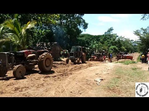 Tracteur UCLS, Union de Coopératives Lazan'ny Sambirano, Cacao Bio-Equitable, Ambanja, Madagascar