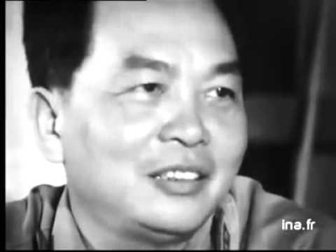 une journaliste française interview général Vo Nguyen Giap, le vainqueur de Dien Bien phu,