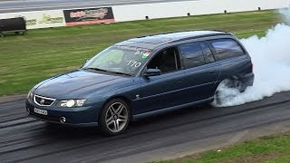 COMMODORE WAGON BURNOUT AT SYDNEY DRAGWAY 30.8.2015