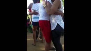 Fiestando en el Patio de Villa Juana Cabrera en Machete, ya tenemos Luz, Discovery Road