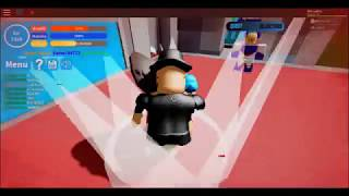 Attack on Titan in roblox but with the worst screen recorder