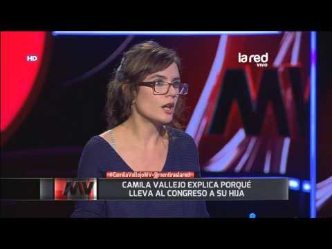 Camila Vallejo explica por qué lleva al congreso a su hija
