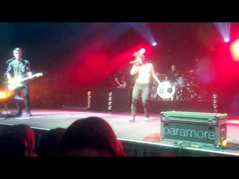 Paramore - Intro/Ignorance (Wallingford Connecticut 7/27/10)