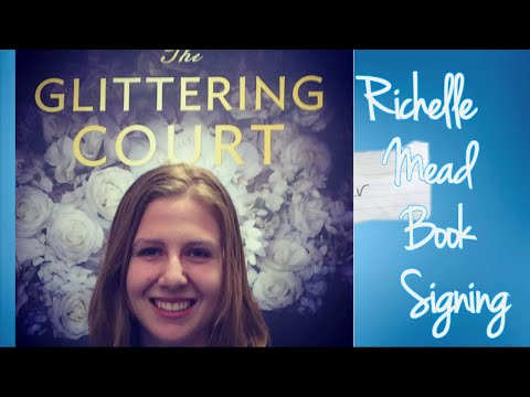 Richelle Mead Book Signing